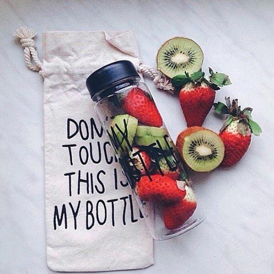 Шише плодове детоксикираща бутилка